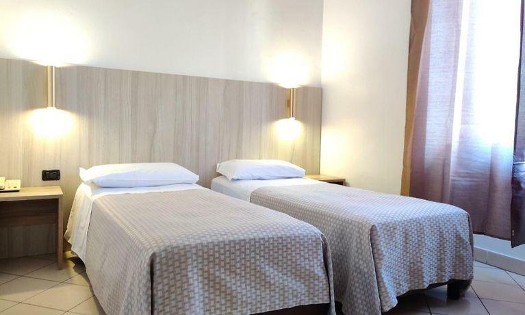 Hotel Mondial Milan
